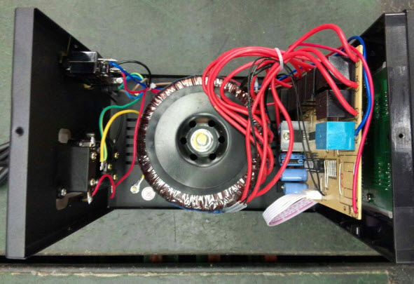 تثبیتکننده ولتاژ